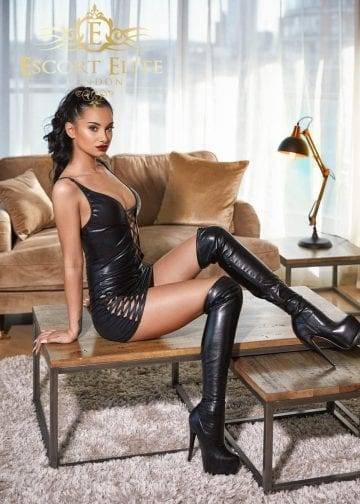 Central-London-escort-elite-sexy-Amelly